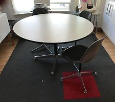 Eames Round Dining Table, Eames/Original/Dining