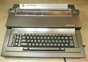 RARE Olivetti PRAXIS 41 Electric Typewriter NICE Vintage Type Writer PRAXIS41