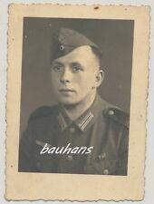 Foto Soldat Wehrmacht mit Bandspange    2.WK  (e409)