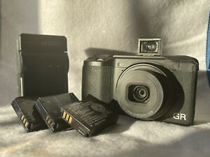 RICOH GR II APS-C 16.2 MP Compact Street Photography Camera (Lots Of Extras)