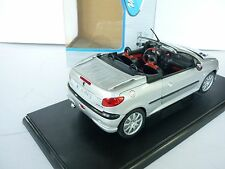 Peugeot 206 CC, 1:18, WELLY,  Silver 1:18 DIE CAST MODEL
