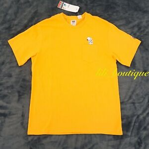 NWT Levi's x Peanuts Men Relax Fit Pocket Tee Shirt Cotton Snoopy Yellow Size S