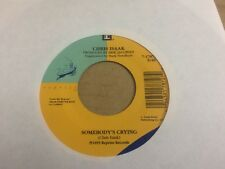 CHRIS ISAAK SOMEBODY'S CRYING  45 RPM VINYL  7 CE