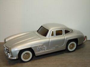 Mercedes 300SL Gullwing - Tinplate Model *33672
