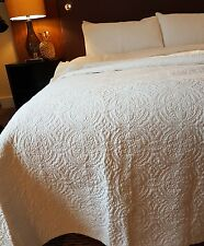 white 100% Cotton bedspread king 260 x 260cm machine washable