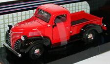 Camions miniatures vert moulé sous pression