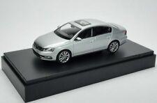 VW PASSAT B7 HIGHLINE TDI TSI SALOON REFLEX SILVER 1:43 SCHUCO (DEALER MODEL)