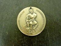 schöne alte Medaille Heiliger Florian 1976 Verdienst Sammlerstück