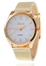 Montre à quartz bracelet métal doré intérieur blanc avec aiguilles dorées.