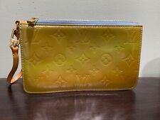 Authentic Louis Vuitton Vernis Pochette