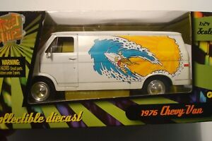 STREET WHIPZ 1:24 SCALE 1976 CHEVY VAN (NEW IN BOX)