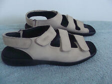 ECCO Sandals SOFT Sport COMFORT beige suede adjustable low wedge EU 41 - 9.5 Med