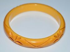 VTG Butterscotch Yellow BAKELITE TESTED Carved Flower Floral Bangle Bracelet (D)