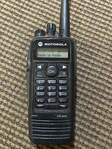 motorola xpr 6550 uhf Radio