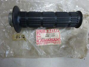 KAWASAKI NOS THROTTLE GRIP ASSEMBLY  Z1000 Z900 Z750 Z650 Z400 Z440 Z550 KZ