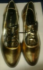 Ladies/ girls New Look shoes Gold Patent Cut Out Lace Up Brogues. Uk size 2/ 35.