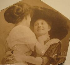 ANTIQUE VINTAGE AMERICAN GIRLS FUN HUGGING HAT EDWARDIAN LESBIAN INT TLC PHOTO
