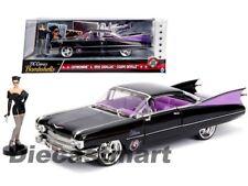 Jada 1:24 DC Comics Bombshells Catwoman & 1959 Cadillac Coupe DeVille Black Car