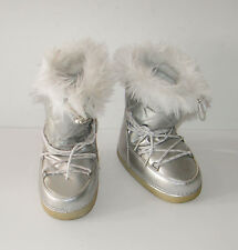 Target  Xhilaration Kids size 11 silver boots  Faux White fur on top