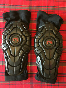 G FORM ELITE KNEE PADS ADULT LARGE IN EXCELLENT COND