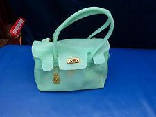 4623. Designer Handtasche  -  hellgrün  -  Gummi