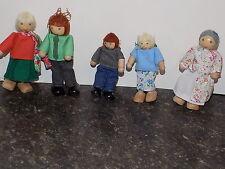6 Wood Dollhouse People Family Plan toys, Ryan's Room