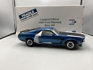 1/24 Danbury Mint 1969 Ford Mustang Boss 312 Blue  Limited RARE
