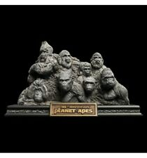 Weta la Planete des singes Apes Through the Age Statue