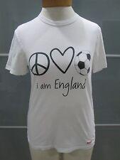 "Peace Love World ""I am England"" Short Sleeve Crewneck T-Shirt Fits Size S"