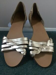 Oasis Gold Sandals Size 6 New with Tags