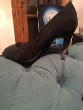 NEW LOOK Suede effect peep toe shoe £8.00