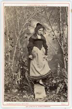 Braun, Jeune femme suisse du Canton de Berne Vintage albumen print Tirage al