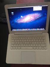 Apple MacBook 13.3 Unibody Mid 2010 2.4Ghz, 250 HDD,  4 GB  Ram, Mid 2010
