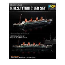 ACADEMY #14220 1/700 Plastic Model Kit R.M.S.TITANIC LED SET / MCP