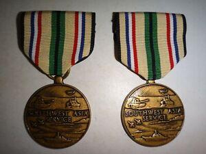 Lot De 2 États-Unis Militaire Southwest Asie Service Médailles
