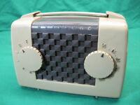 Vintage Motorola Tube Radio 5L1U Tan Works Tested and Works