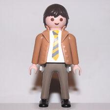playmobil homme en costume marron