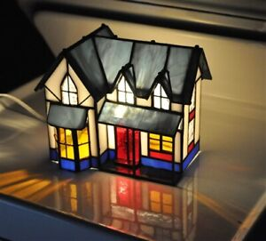 STAINED GLASS VICTORIAN STYLE HOUSE ACCENT LAMP-MULTICOLOR