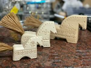 Mordovia Erzya Folk Fino Ugric Wood Carving Art Horse 3pcs