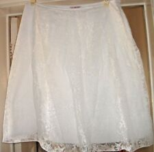 "NEW 'M&S Per Una' White Sheer Floral, Lined Skirt, Below Knee 24"" Length Size 14"