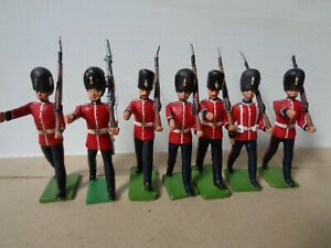 Britains or similar, repainted Grenadier Guard lot of 7, lead toy soldiers V0