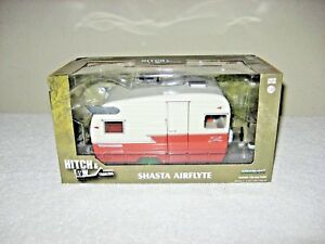 SHASTA  AIRFLYTE CAMPER CORAL & WHITE  1:24  GREENLIGHT NEVER OUT OF THE BOX!