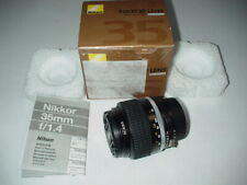 Nikon Nikkor Lens MF 35mm f/1.4 Objektiv für Nikon Kameras (JAA115AD)-