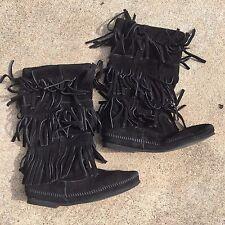 Minnetonka 1639 Women's 3-Layer Fringe Boot Black Leather New US 7/EUR 38