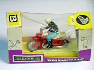 BRITAINS 9687 'HONDA 125cc MOTORCYCLE & RIDER in Box