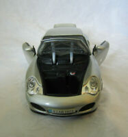 Maisto Porsche 911 Carrera Silver 1:18 Diecast Model Vehicle Car