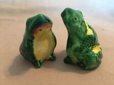 Small Distracted Frogs Salt & Pepper Shakers Vintage Original Ceramic Frogs