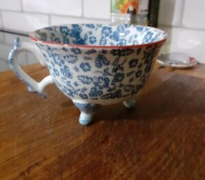 New Joyye tea cup blue/white floral 3 feet pretty kitchen coffee collectable