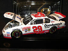 Kevin Harvick #29 ROOKIE GM Goodwrench Service Plus 1/24 2001 Monte Carlo Elite