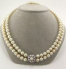 Handgefertigte Halsketten und Anhänger im Collier-Stil aus Weißgold mit Perlen